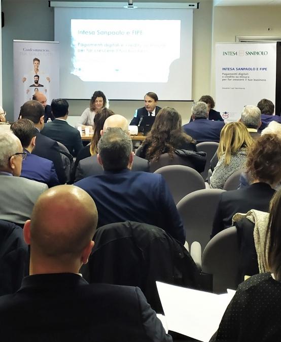 Fipe azzera le commissioni per i micropagamenti grazie all'accordo con Banca Intesa Sanpaolo. Presentati tutti i vantaggi dedicati ai Soci.